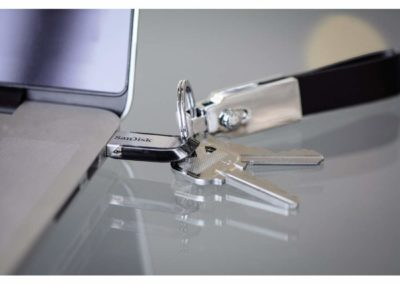 SanDisk Ultra Flair 128GB USB 3.0 Flash Drive