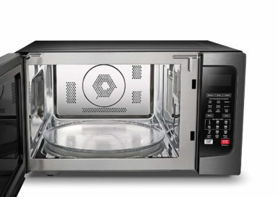 Toshiba 1 5 Cu Ft Black Stainless Microwave Oven With
